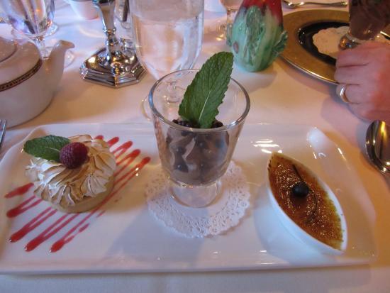 Bistro L'Hermitage: Dessert Trio - Lemon Tart, Mousse, Creme Brulee