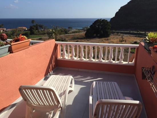Apartamentos Bellavista Gomera: Terrace with a sea view