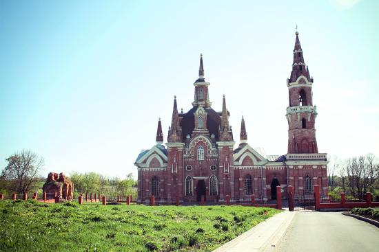Veshalovka, Ρωσία: очень красивая церковь.