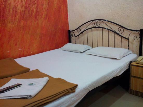 Hotel Preetam Aurangabad: my room