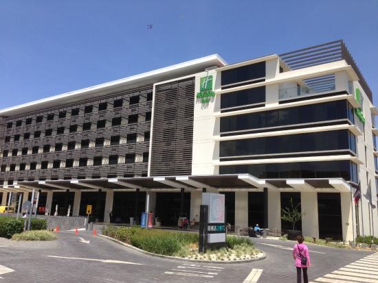 Holiday Inn San Jose-Escazu : Front View Of Hotel