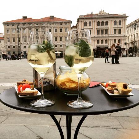 2 spritz hugo picture of caffe degli specchi trieste - Caffe degli specchi ...
