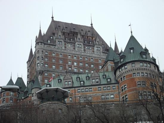 Hotel Universel Quebec Reviews