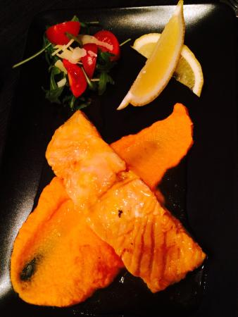 Biomediterraneo Bistro & Marché: Salmon with carrot