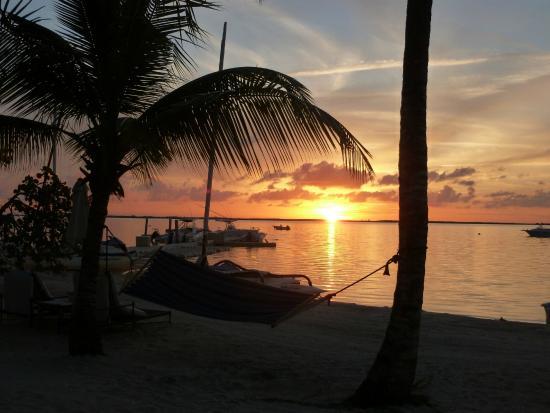 Tiamo Resort: Sunset in a Hammock