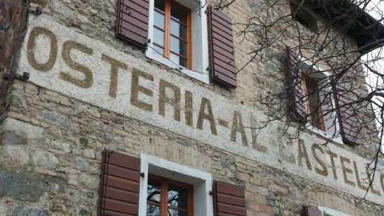 Ristorante San Michele: Vecchia insegna visibile dal basso di Fagagna
