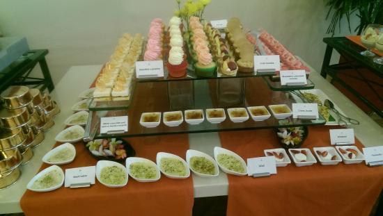Le Jardin: Desserts pic 1