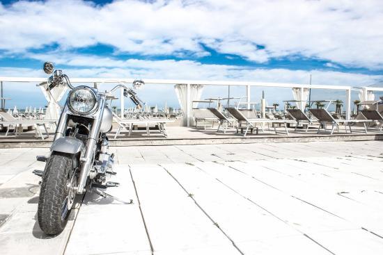 Hotel Club Misano: anche le moto al mare