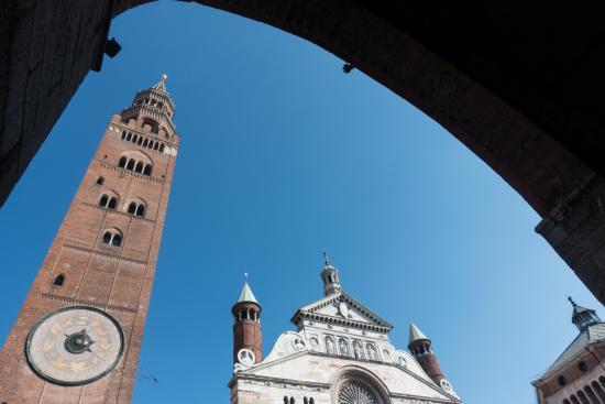 Delle Arti Design Hotel: The tower and the Duomo in Cremona