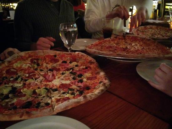 Incendio Pizzeria : pizza large