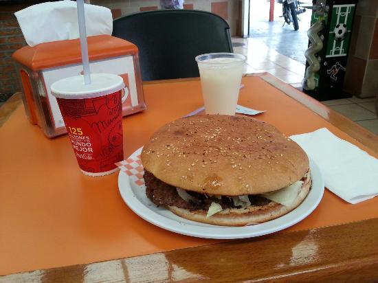 Bufalo: È un ottimo panino, adatto ad ogni occasione. Penso di ritornarci per questo natale