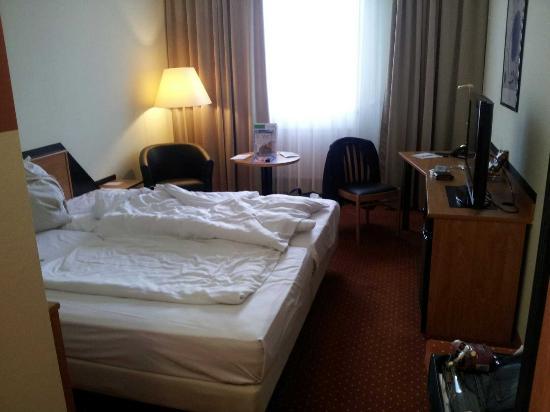 NOVINA HOTEL Südwestpark: Mein Zimmer in Novina Südwestpark