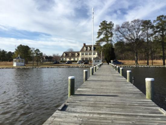The Inn at Osprey Point: Inn from the Marina