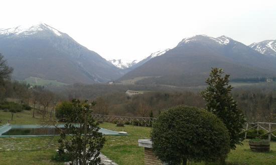 Agriturismo Casale nel Parco dei Monti Sibillini: Fuori dal casale