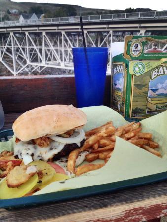 Iron Horse Bar & Grill : Hamburger di bisonte