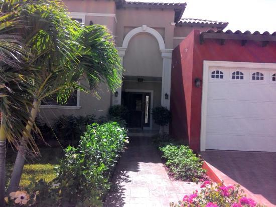 Gold Coast Aruba Luxury Condo: Beautiful Villa in Gold Coast