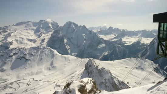 Schöner Blick 1 - Picture of La Terrazza delle Dolomiti, Canazei ...