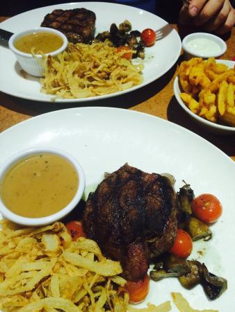Blue Chicago Grill: Fillet steaks