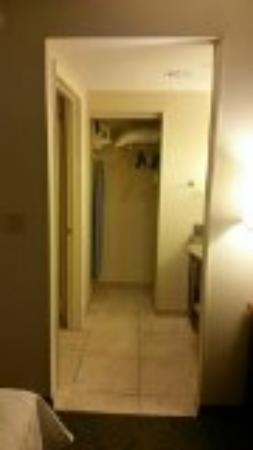 Homewood Suites Gainesville : closet