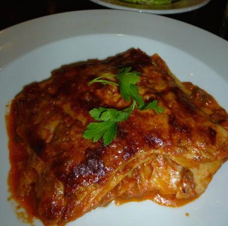 Carluccio's - Kingston: Lasagne
