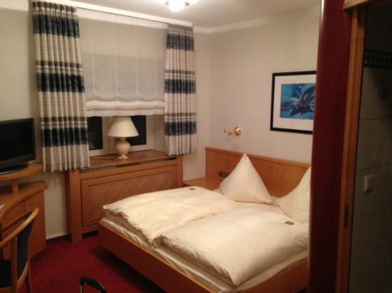 la camera - Foto di Hotel-Restaurant Kunz, Pirmasens - TripAdvisor