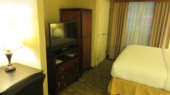Holiday Inn Express Savannah Airport: TV