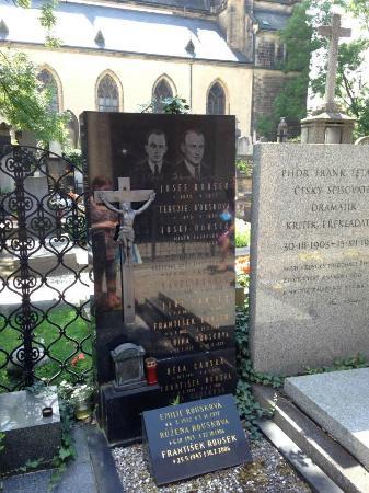 National Cemetery: Vacker kyrkogård