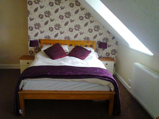 Hotel Norfolk : Attic Room, very spacious, overlooks roof tops