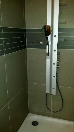 Bed and Breakfast saBBajon: The bathroom