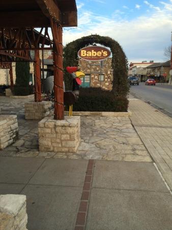 Babe's Chicken Dinner House: Granbury, TX