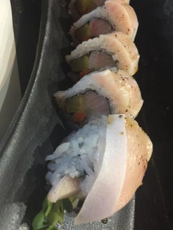 Oyshi Sushi: Fresh fish is delish!!  Yummy sushi when I sat at the bar & took the sushi chef's recommendation