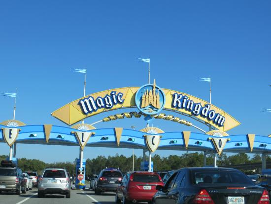 Can You Walk From Magic Kingdom To Car Park