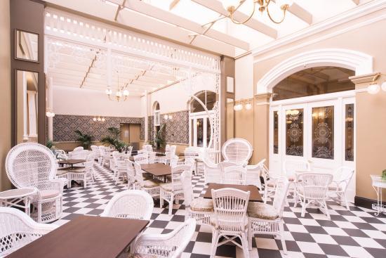 Hadley's Orient Hotel: Atrium