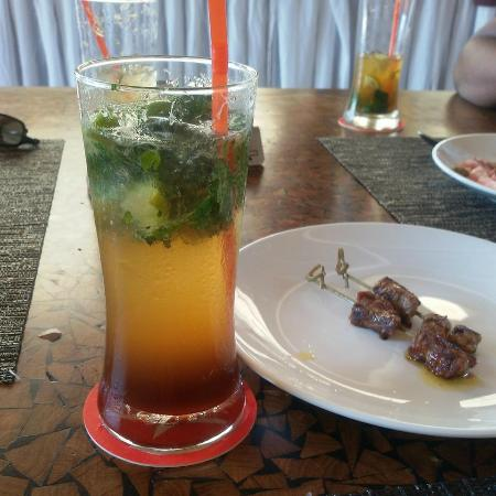 Beach Republic: Mojito Welcome drink & foie gras beef skewer