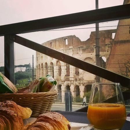 Hotel Royal House : colazione con vista.