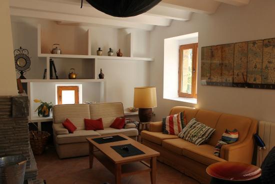Sal n foto di habitaciones casa chaime ara tripadvisor - Habitaciones con escaleras ...