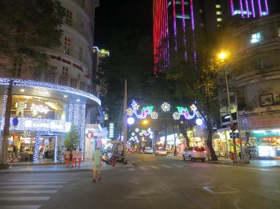 Huong Sen Hotel: Good location in district 1