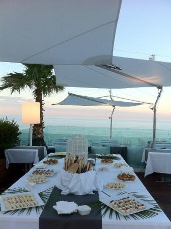 """Hotel Lungomare: Terrazza """" Settimo Piano """" per cenare o per l ' aperitivo"""