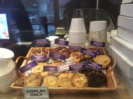 Insomnia Cookies, New York City - 405 Amsterdam Ave, Upper