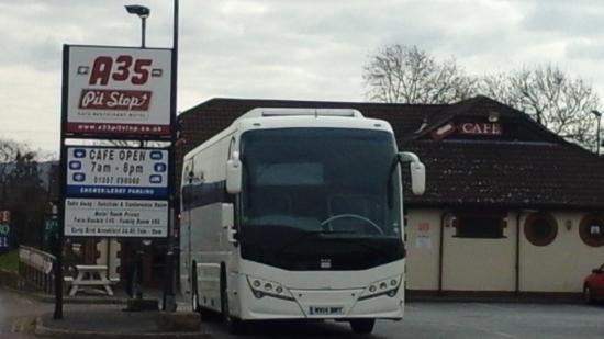 A35 Pitstop, Kilmington: Front view of restaurant