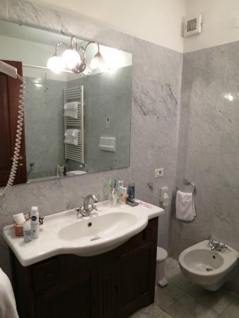 Palazzo Della Scala: Ванная комната