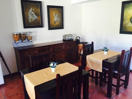 AmaKhosi Guesthouse: Dining