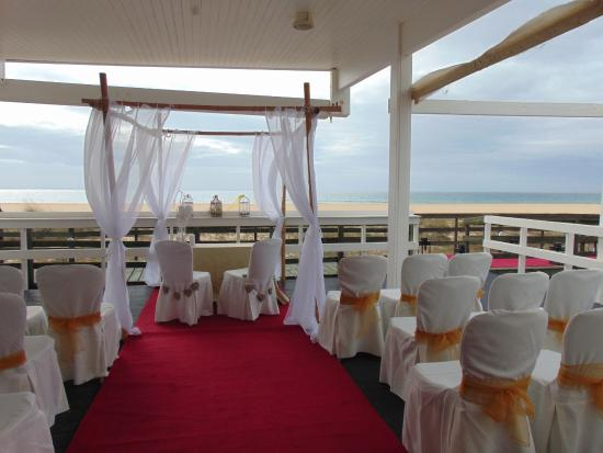Hilton Vilamoura As Cascatas Golf Resort & Spa: Beach Club Wedding