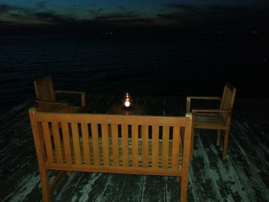 Rolandi's : Dock bench