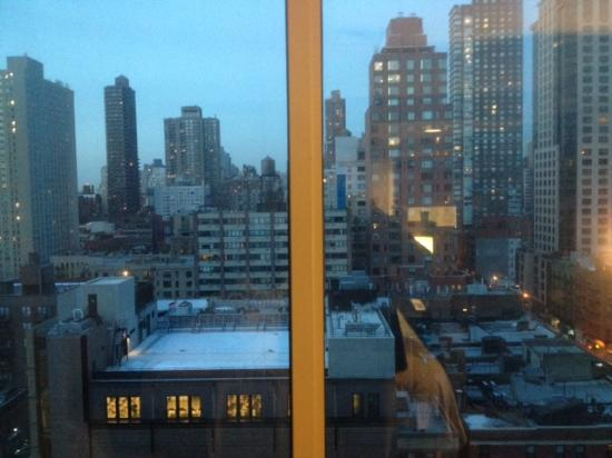 Courtyard New York Manhattan/Upper East Side : view from my room on the top 16th floor