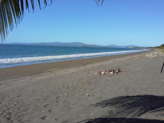 Hotel Praiamar : vista da praia em frente hotel