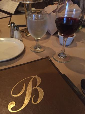 Biagetti's Restaurant: Fabulous Service and Comfortable Family Friendly Restaurant