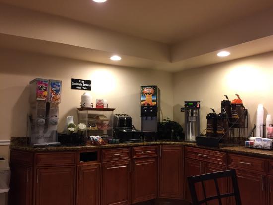 Super 8 Gainesville: Frühstück