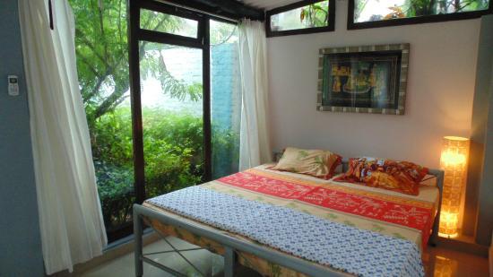 International Travellers' Hostel, Varanasi: Luxury Double En-suite