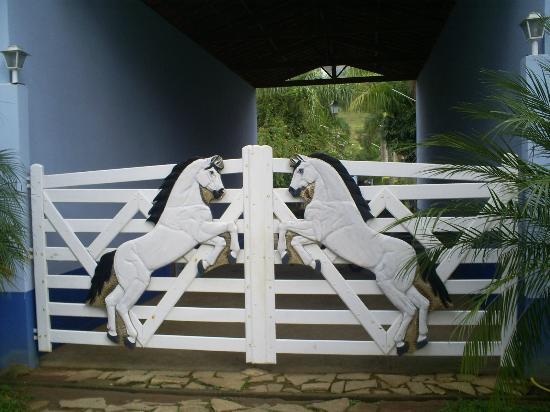 Lagoinha, SP: Porteira de entrada